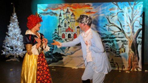 Teatr-Katarynka-Bałwanek-Tiko-Królowa-Fruncja (17)