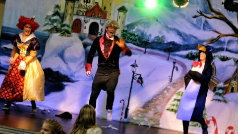 Teatr-Katarynka-Spektakl-Bałwanek-Tiko-Królowa-Fruncja-(1)