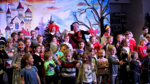 Teatr-Katarynka-Spektakl-Bałwanek-Tiko-Królowa-Fruncja- (11)
