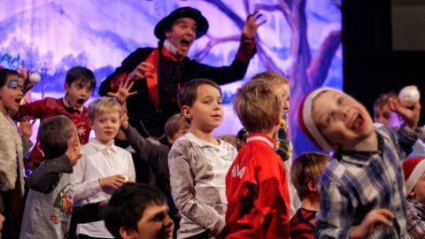 Teatr-Katarynka-Spektakl-Bałwanek-Tiko-Królowa-Fruncja-(12)