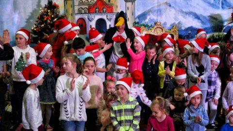 Teatr-Katarynka-Spektakl-Bałwanek-Tiko-Królowa-Fruncja- (8)