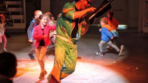 Teatr-Katarynka-Spektakle-Dla-Dzieci-W-Miejskiej-Dżungli-(6)