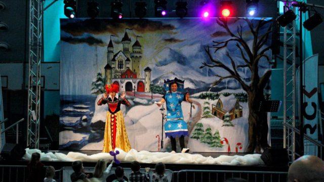Teatr-Katarynka-Spektakl-Bałwanek-Tiko-Królowa-Fruncja-(30)